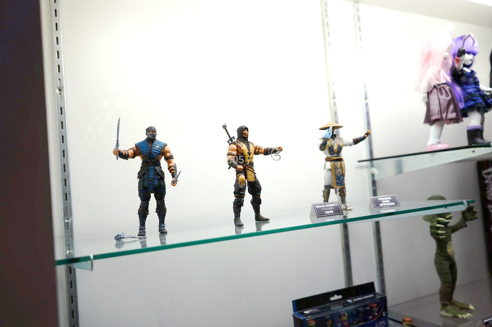 [NYCC 2014] MEZCO - 6-Inch Mortal Kombat X Figures NYCC-2014-Mezco-Mortal-Kombat-X-001