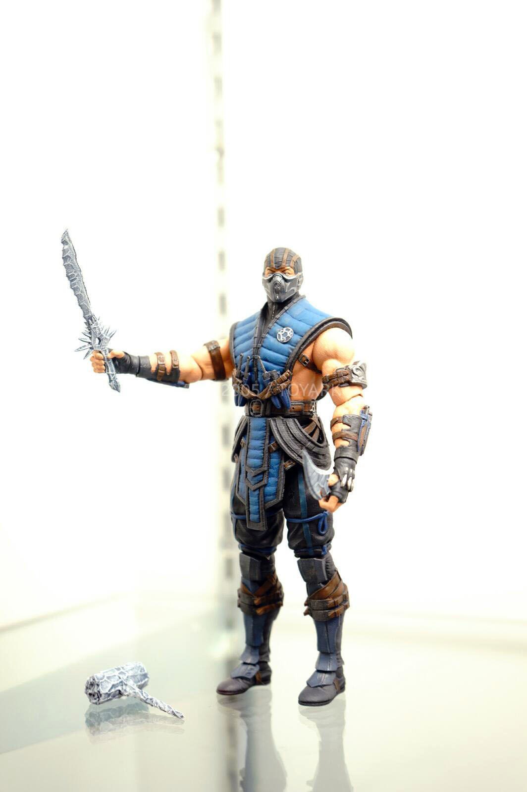 [NYCC 2014] MEZCO - 6-Inch Mortal Kombat X Figures NYCC-2014-Mezco-Mortal-Kombat-X-003