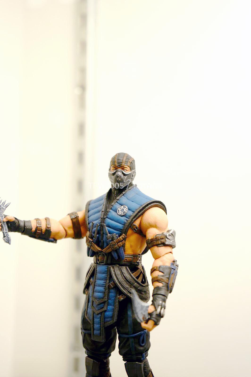 [NYCC 2014] MEZCO - 6-Inch Mortal Kombat X Figures NYCC-2014-Mezco-Mortal-Kombat-X-004