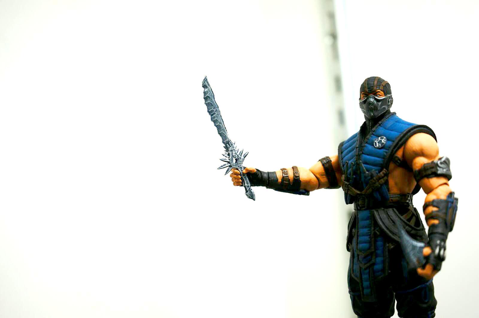[NYCC 2014] MEZCO - 6-Inch Mortal Kombat X Figures NYCC-2014-Mezco-Mortal-Kombat-X-007