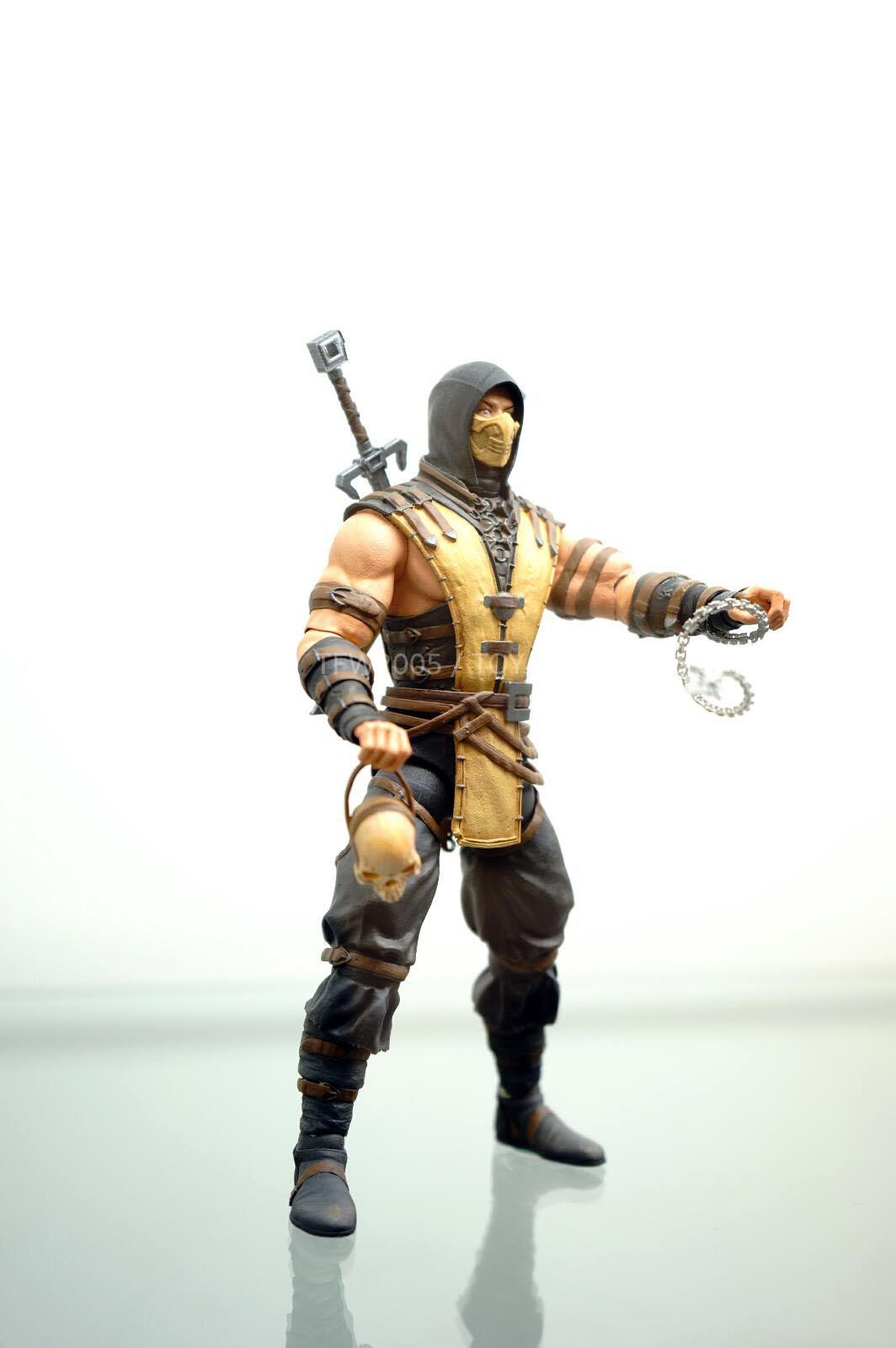 [NYCC 2014] MEZCO - 6-Inch Mortal Kombat X Figures NYCC-2014-Mezco-Mortal-Kombat-X-008