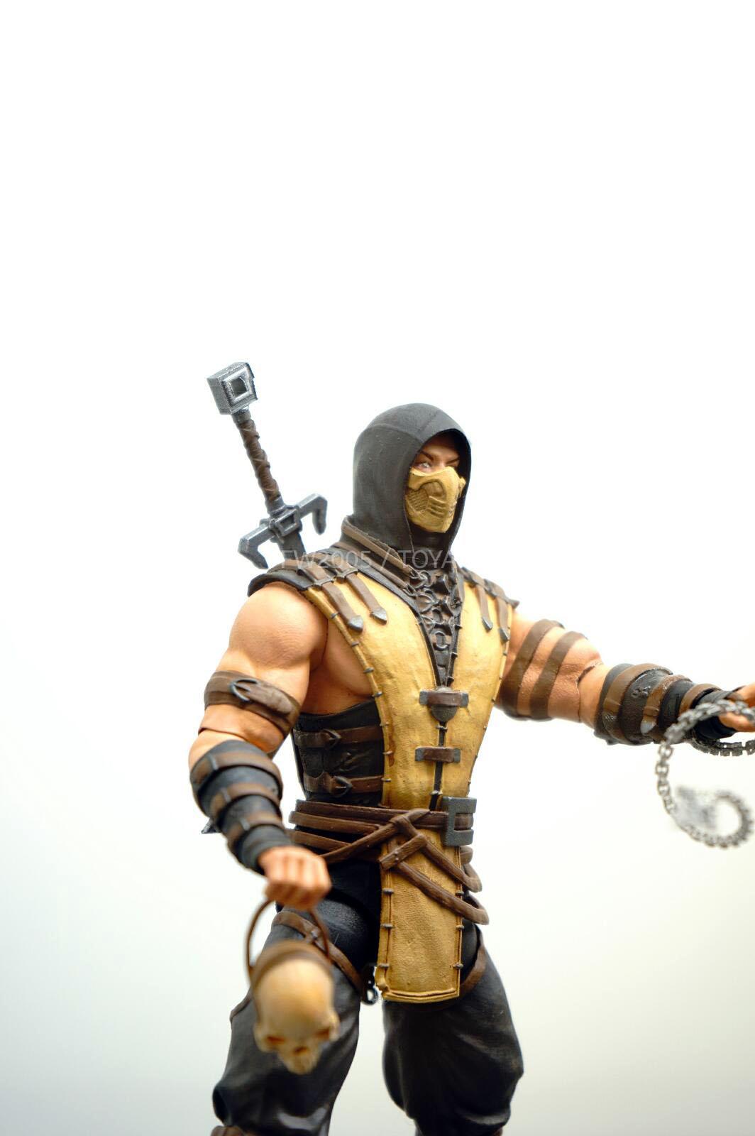 [NYCC 2014] MEZCO - 6-Inch Mortal Kombat X Figures NYCC-2014-Mezco-Mortal-Kombat-X-009