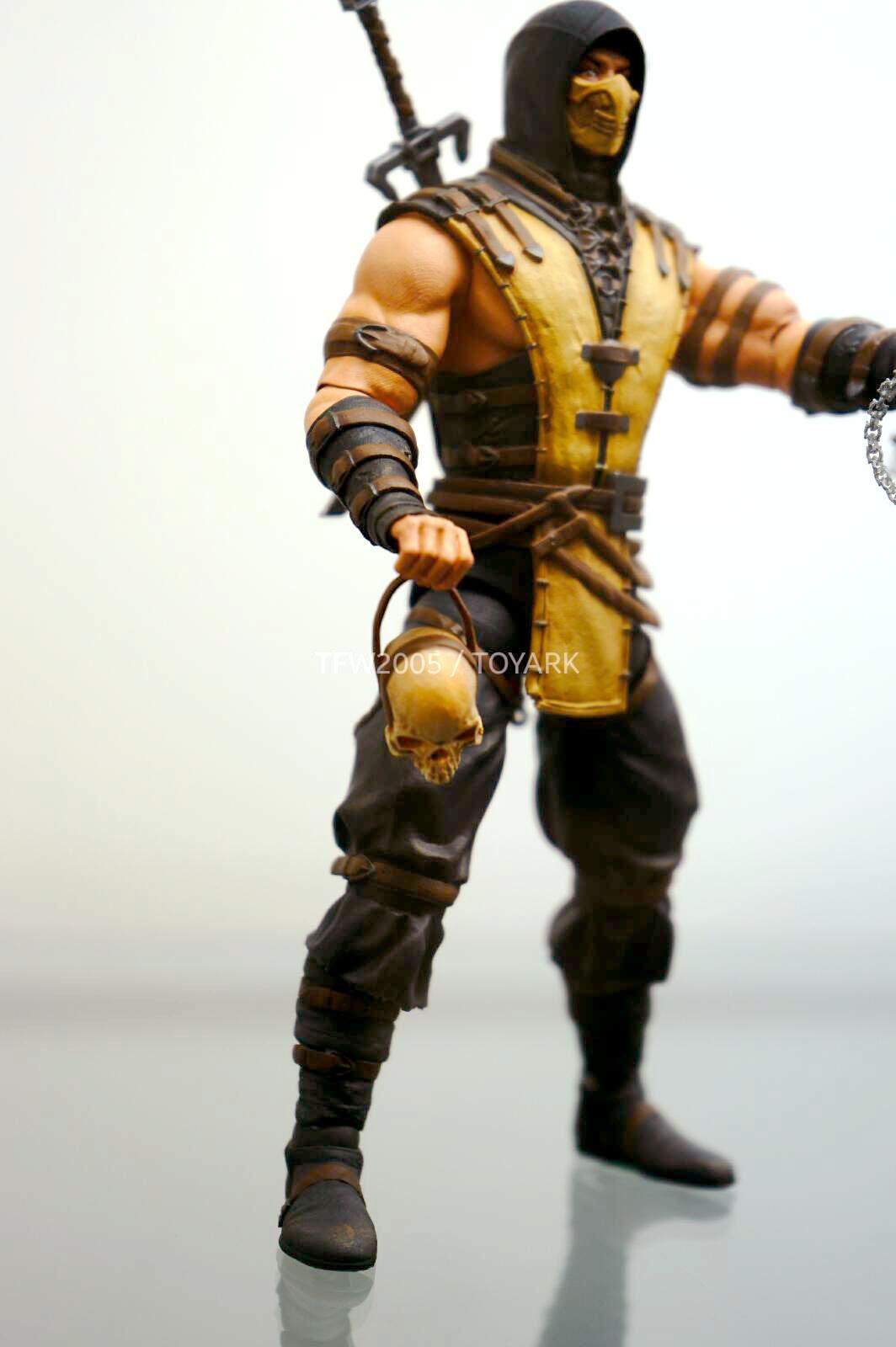 [NYCC 2014] MEZCO - 6-Inch Mortal Kombat X Figures NYCC-2014-Mezco-Mortal-Kombat-X-010