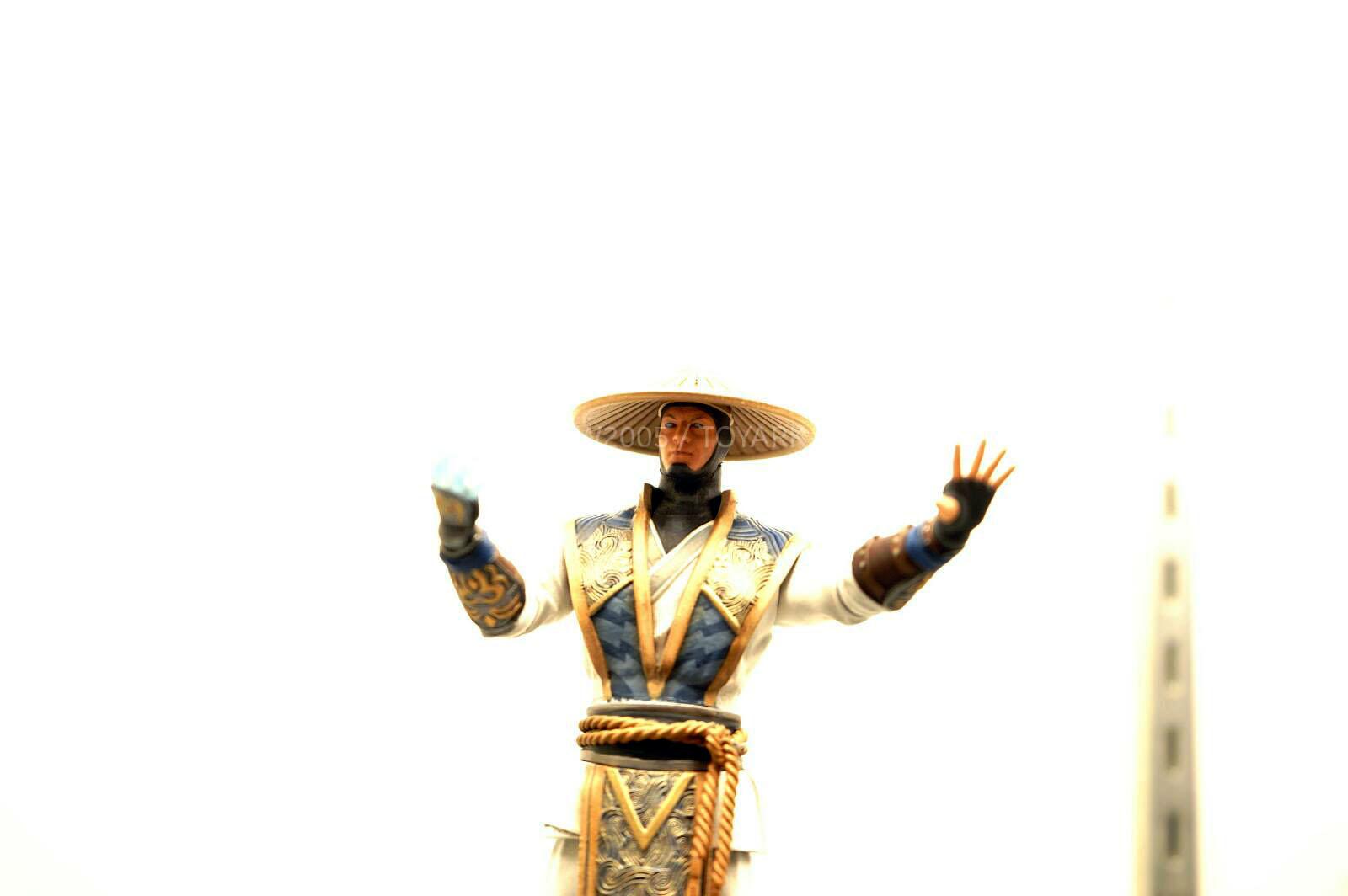 [NYCC 2014] MEZCO - 6-Inch Mortal Kombat X Figures NYCC-2014-Mezco-Mortal-Kombat-X-014
