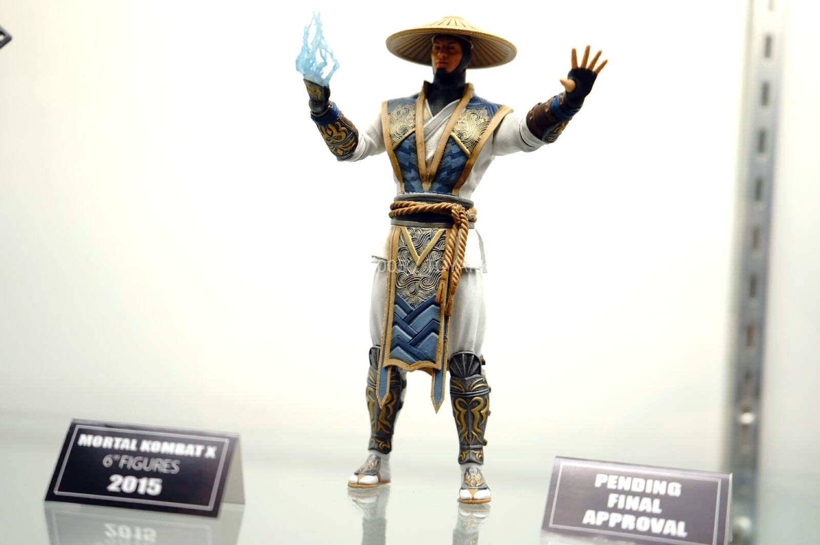 [NYCC 2014] MEZCO - 6-Inch Mortal Kombat X Figures NYCC-2014-Mezco-Mortal-Kombat-X-016