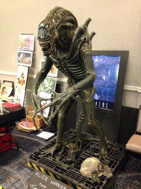 [Hollywood Collectibles] Alien Warrior - Life Sized Statue HCG-Alien-Warrior-Life-Size-Statue-002