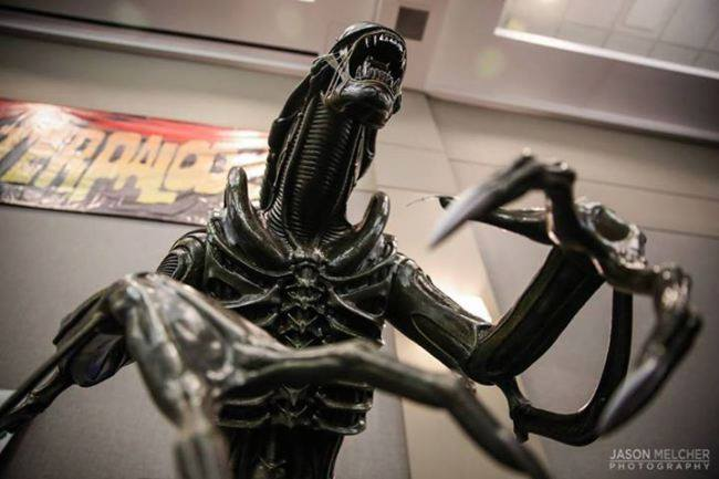 [Hollywood Collectibles] Alien Warrior - Life Sized Statue HCG-Alien-Warrior-Life-Size-Statue-004