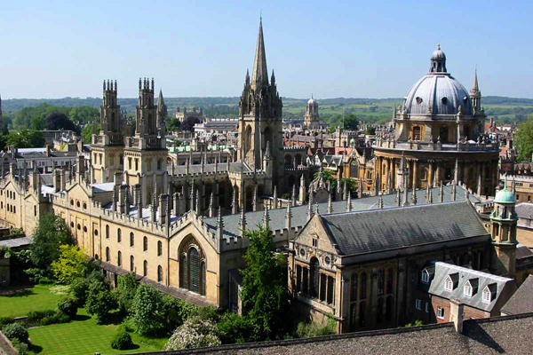 أكسفورد: المدينة العريقة التي لا تزال تجذب الملايين Oxford-UNI