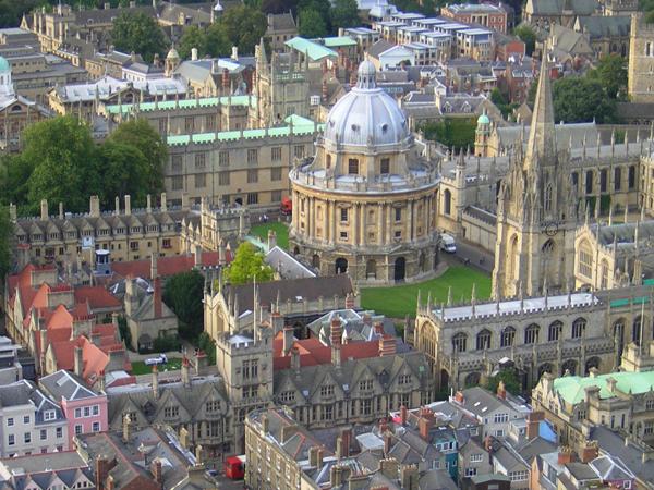 أكسفورد: المدينة العريقة التي لا تزال تجذب الملايين Oxford_