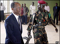 Les douleurs de l'exil; ou est notre conscience patriotique? _39932827_aristide2_ap_203body