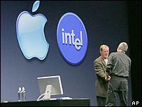 Apple et Intel, adieu au PowerPC _40598574_chip_appleintel203b_ap