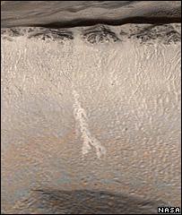 أدلة تثبت أن الماء كان يجري على سطح المريخ _42394554_mars_nasa_203