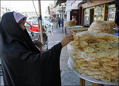 شهر رمضان في كل العالم الاسلامي عادات وتقاليد بعض الشعوب الإسلامية في رمضان _44144028_7