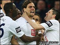 Finale : Tottenham Hotspur - Chelsea FC _44448099_woodgatehappy_get203