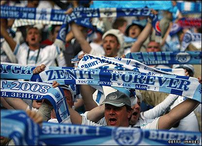 V Liga dos Campeões de Futebol - Página 3 _44657100_zenit_getty