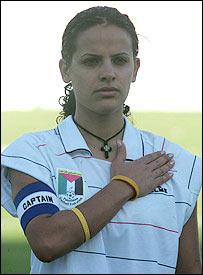 Comentarios y Noticias del Fútbol Femenino - Página 3 _44833736_capitana3