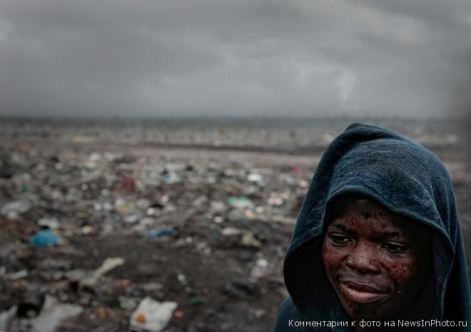 Мусорные горы Мапуту - жуть!!!  %D0%B3%D0%BE%D1%80%D1%8B-%D0%BC%D1%83%D1%81%D0%BE%D1%80%D0%B0-14