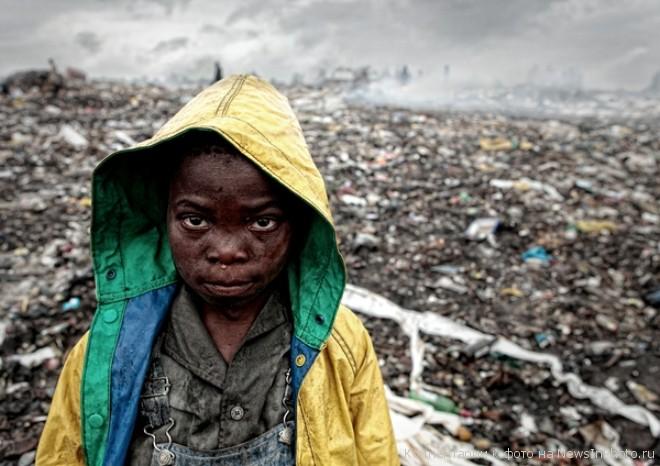 Мусорные горы Мапуту - жуть!!!  %D0%B3%D0%BE%D1%80%D1%8B-%D0%BC%D1%83%D1%81%D0%BE%D1%80%D0%B0-2