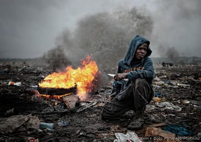 Мусорные горы Мапуту - жуть!!!  %D0%B3%D0%BE%D1%80%D1%8B-%D0%BC%D1%83%D1%81%D0%BE%D1%80%D0%B0-7