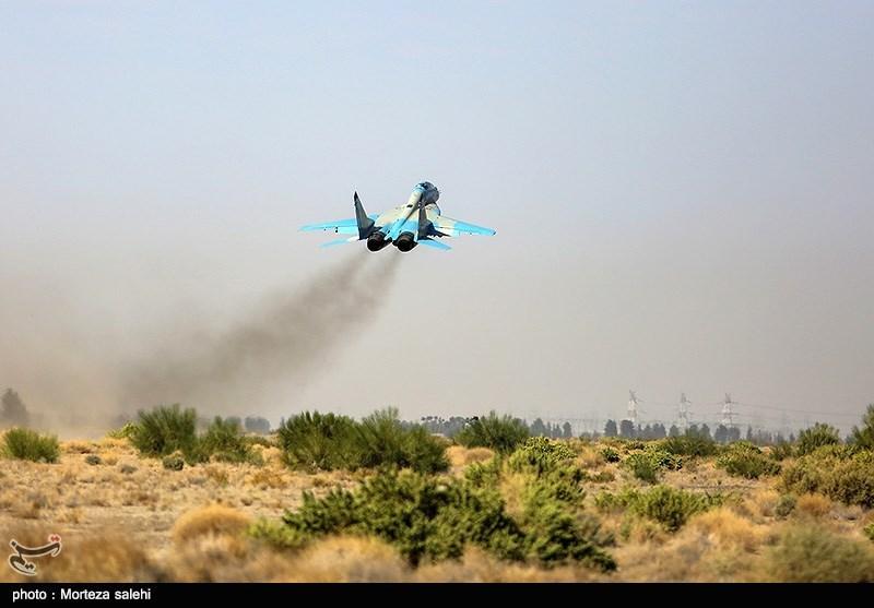 """بالصور//  انطلاق مناورات """"فدائیو حریم الولایة5"""" للقوة الجویة للجیش الإيراني 139406141538379756029894"""