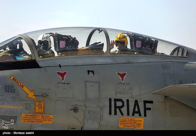 """بالصور//  انطلاق مناورات """"فدائیو حریم الولایة5"""" للقوة الجویة للجیش الإيراني 139406141538382876029894"""