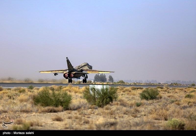 """بالصور//  انطلاق مناورات """"فدائیو حریم الولایة5"""" للقوة الجویة للجیش الإيراني 139406141538383816029894"""