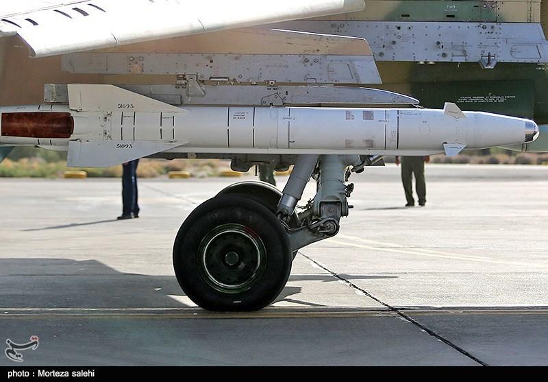 """بالصور//  انطلاق مناورات """"فدائیو حریم الولایة5"""" للقوة الجویة للجیش الإيراني 139406141538384756029894"""