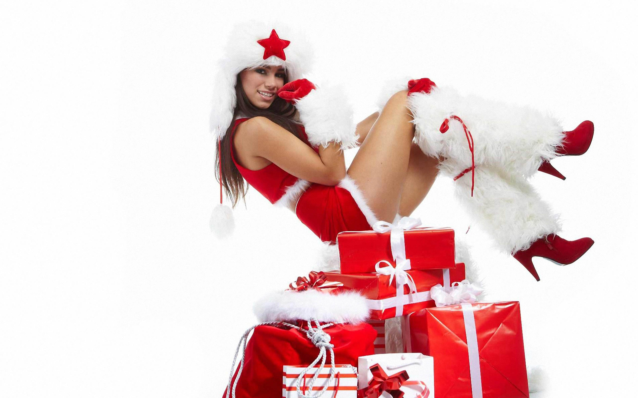 Secret santa - Sign up here if want to join in! - Page 4 Sexy-Christmas-Wallpapers-2