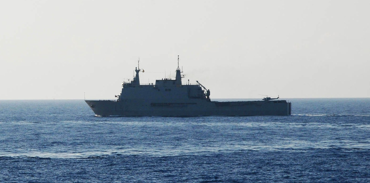 سفن إنزال للمغرب و دول عربية أخرى  100223-n-5808r-001