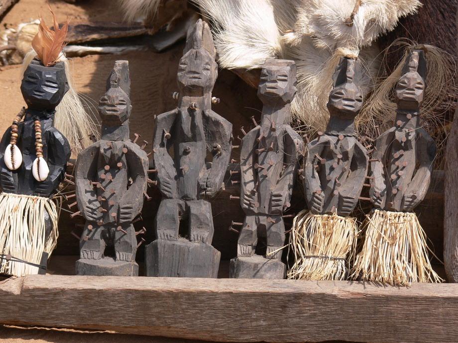 валтея - Куклы как объект поклонения: традиционные, обрядовые, магические, вуду. Идолы,тотемы, ритуальные маски, обереги, артефакты. - Страница 7 Supermarket-eto-interesno-poznavatelno-kartinki_542308328