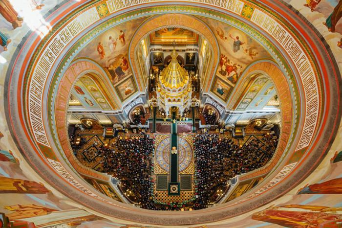 Почему во время службы в католических храмах сидят, а в православных стоят Kakstoitvhramah31
