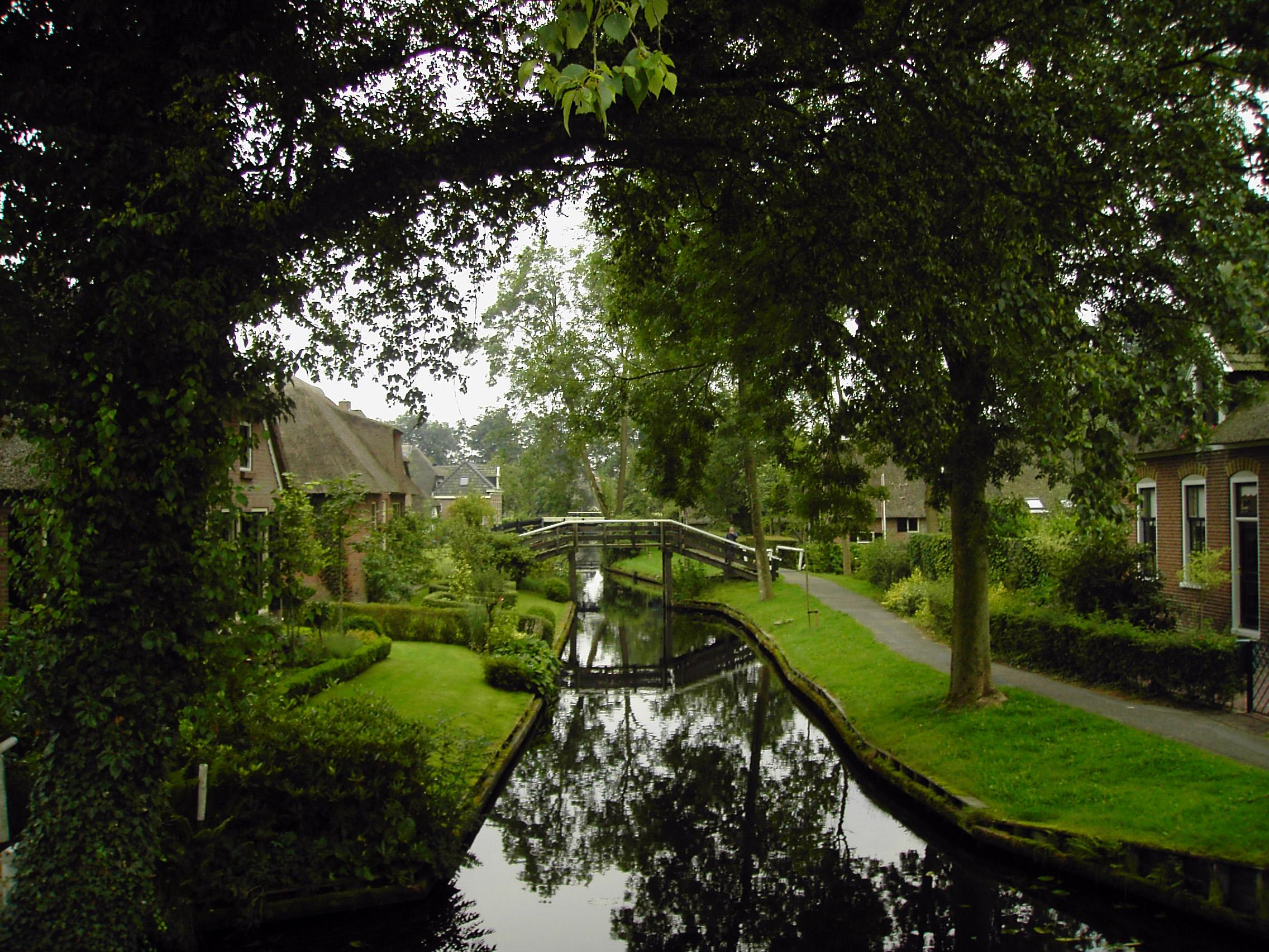 Raj na zemlji - Grad bez puteva Giethoorn1