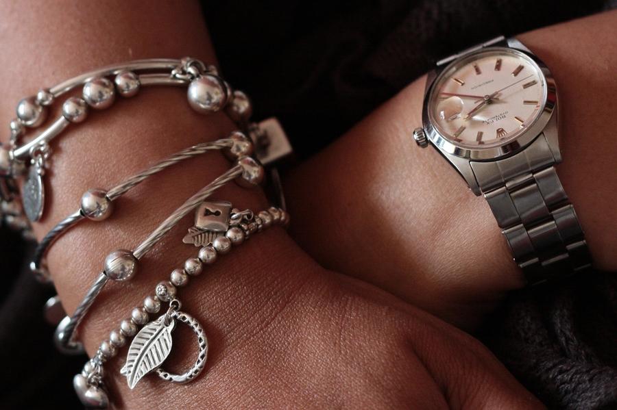 question existentielle: c'est quoi une montre féminine? 3%20-%20precision%20et%20bracelets