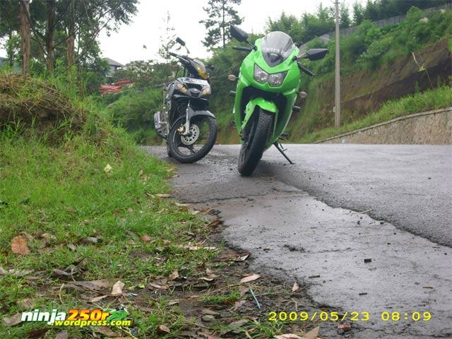 Si Ijo trip to Bandoeng Curug_cimahi