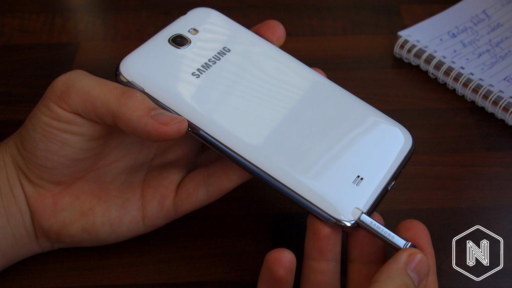 Ревю на Samsung Galaxy Note II Samsung-Galaxy-Note-II-review9