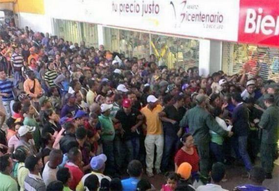 Venezuela un estado fallido ? - Página 4 Filas-para-comprar-alimentos-en-Venezuela