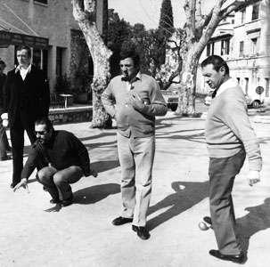 Lino Ventura jouant aux boules 1157194348
