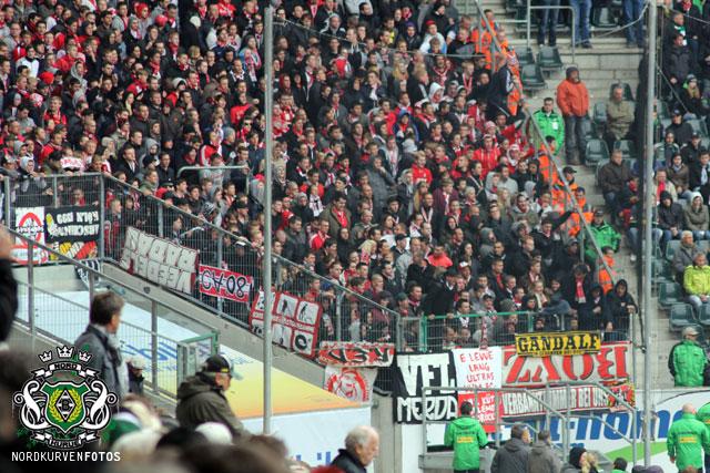 FC Köln     - Pagina 2 Derbyh1112-052