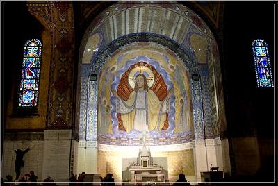 Notre Dame de Lorette : la grande nécropole française de la Grande Guerre NDdeLorette_basilique1
