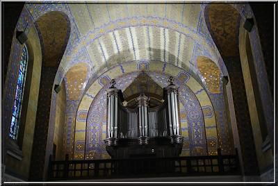 Notre Dame de Lorette : la grande nécropole française de la Grande Guerre NDdeLorette_basilique2