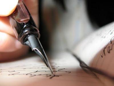 عالم مريومة الخاص 1639671_f520-pen-and-paper-writing