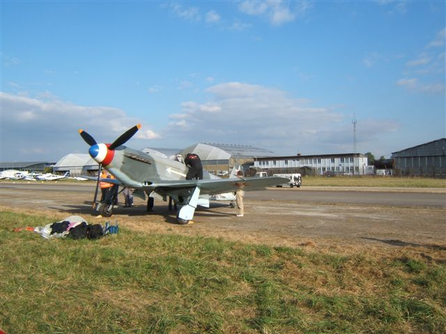 UN Yak3 en France MEETINGRENNESEXPONN2007012
