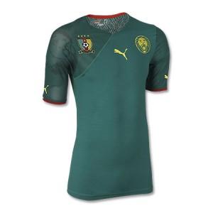 اطقم المنتخبات  المشاركة بنهائيات كأس العالم Cameroon-jersey-2010-world-cup-puma