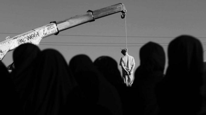 Profesor de Islam en la Universidad Vanderbilt, díce que en el Islam los homosexuales deben morir. - Página 2 Iran-ahorcamiento-940x624-678x381