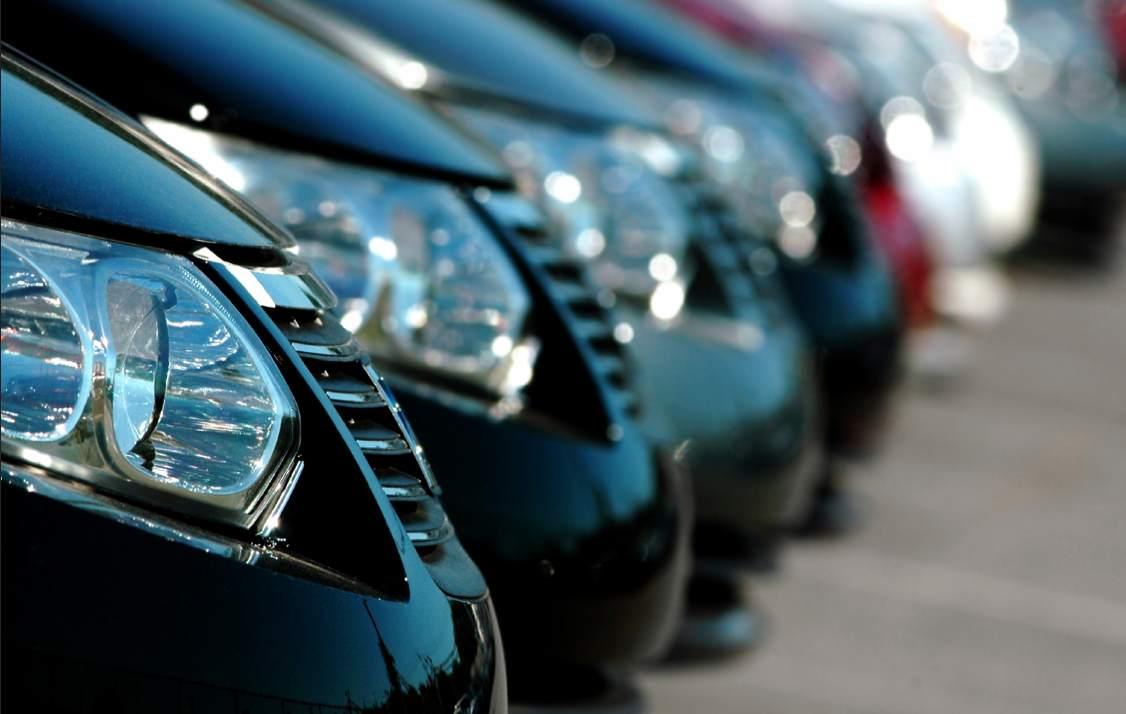 Podrían cerrar 1 de cada 4 concesionarios en 2012 Frontal-coches