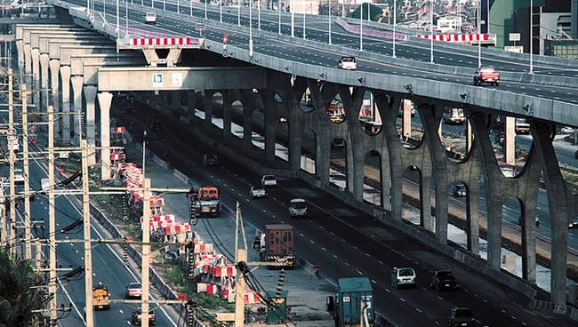 Los récords de las carreteras Bangna-expressway_02-650x368