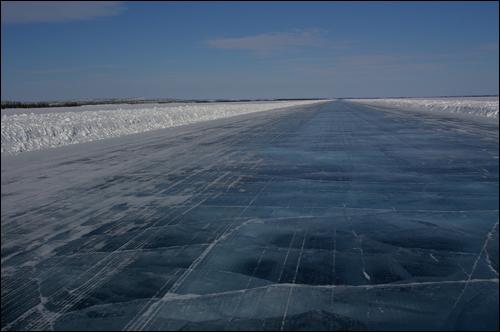 Los récords de las carreteras Carretera-canada-invierno