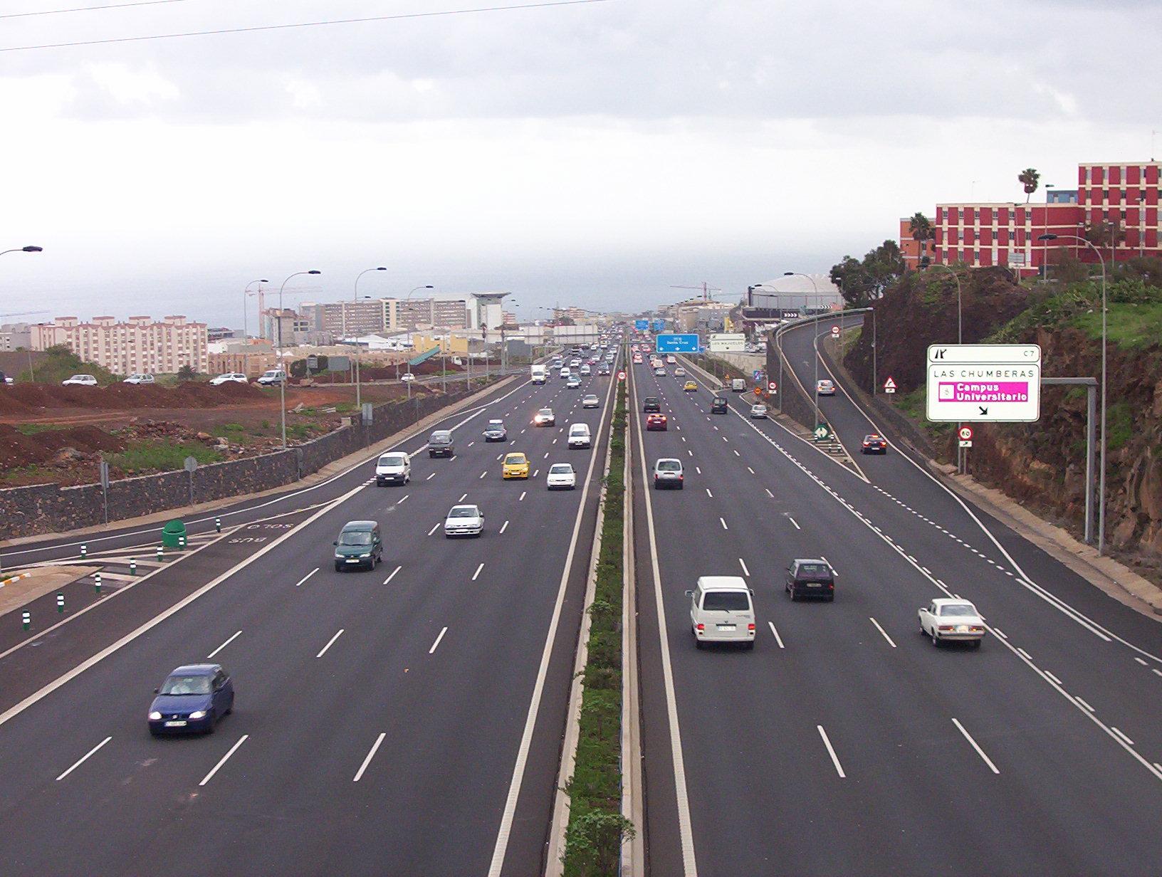 LEER!!!!El Gobierno estudia cobrar un canon por usar las carreteras AutopistaTF5