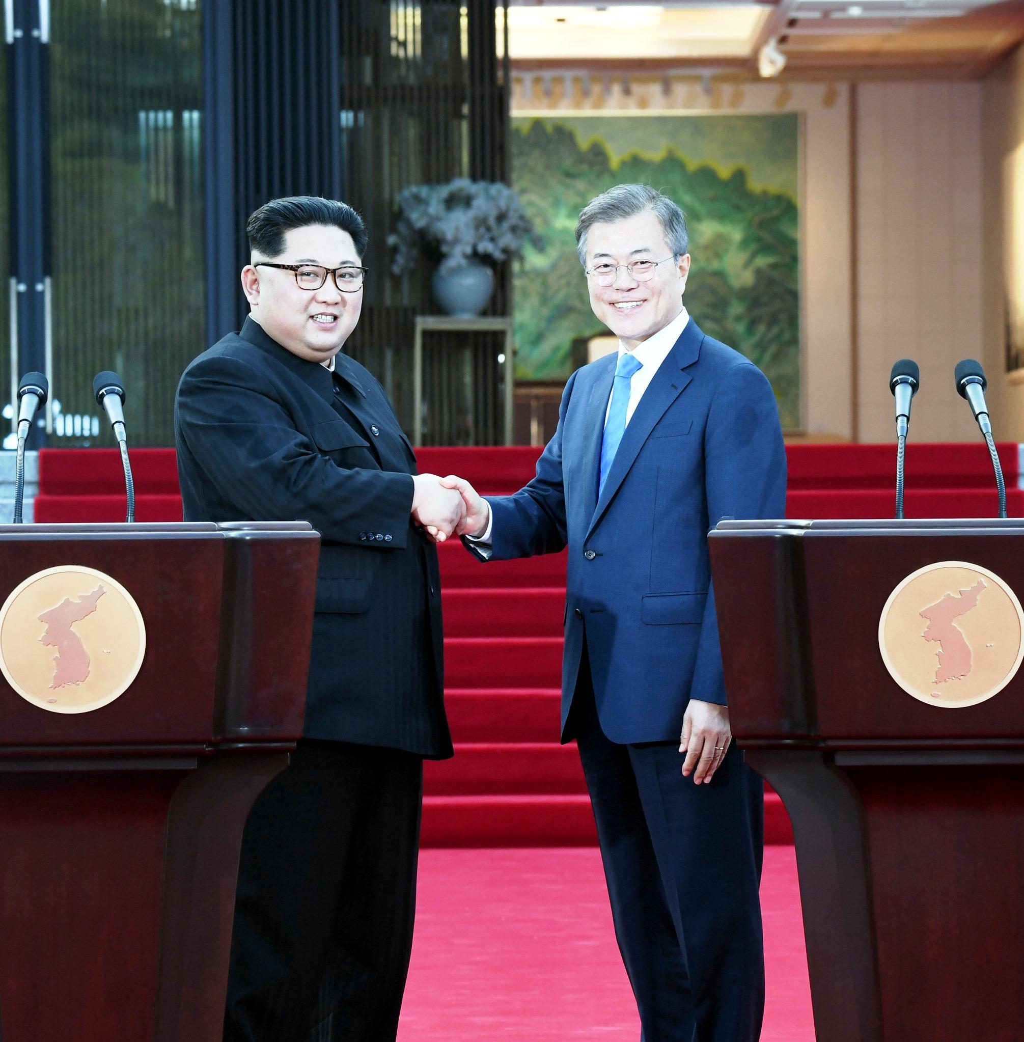 ¿Cuánto mide Kim Jong Un? - Real height Kim-Jong-un-Moon-Jae-in-Corea-del-Sur-Corea-del-Norte-DPA