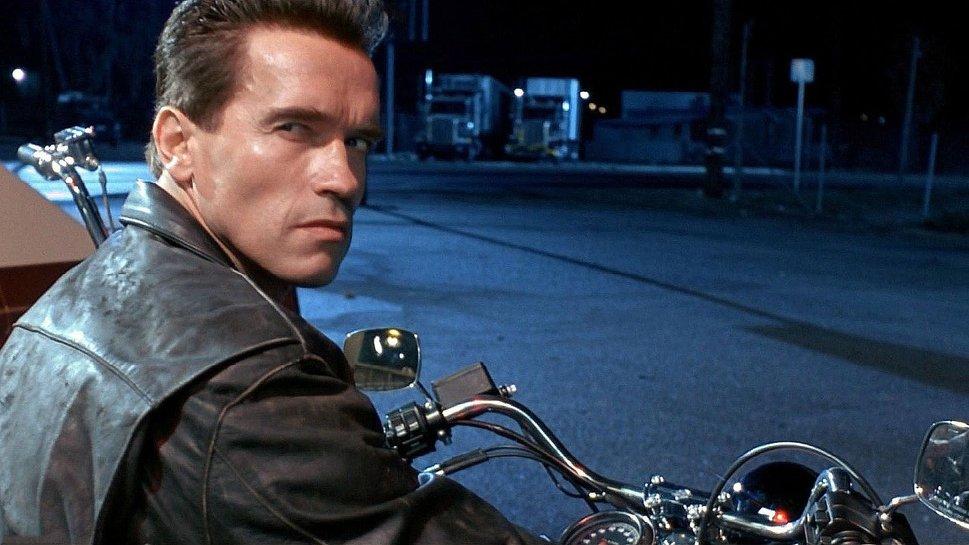 Muy feliz cumpleaños Termi !!! Terminator-2-guia-1